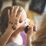 Jak nanieść doskonały makijaż?